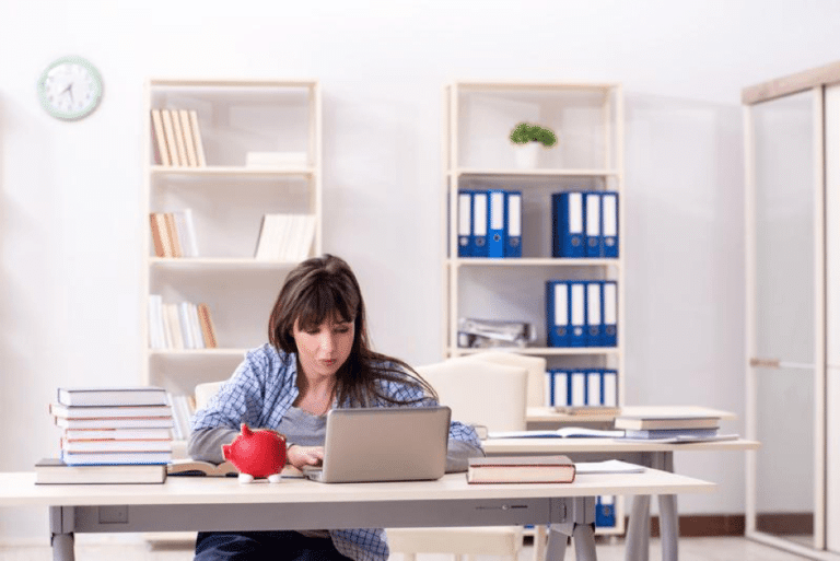 How Online College Can Be More Affordable Than a Traditional Degree