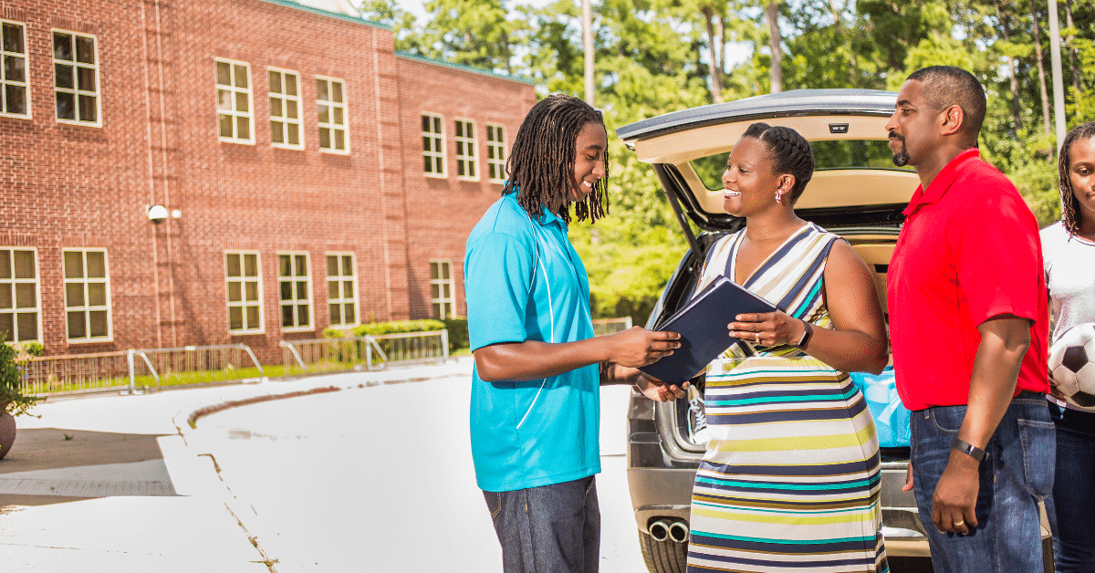 Checklist for Setting Your High School Senior Up for College Independence
